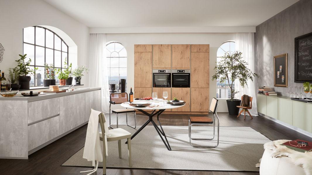 Grosse Küchenzeile Ella von Wert Küche mit 8 Front-Ausführungen