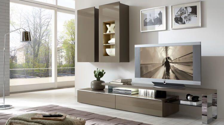 moebel-berning-lingen-rheine-wohnwelten-wohnen-wohnwand-board-beleuchtung-hochglanz-metallfuesse