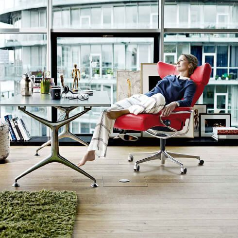 moebel-berning-lingen-rheine-wohnwelten-wohnen-home-office-schreibtisch-buerostuhl-rot-stressless-glastisch