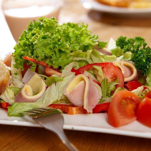 moebel-berning-lingen-rheine-cafe-und-bistro-lohner-landbaeckerei-salat