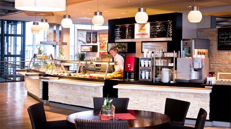 moebel-berning-lingen-rheine-cafe-und-bistro-lohner-landbaeckerei-Innen