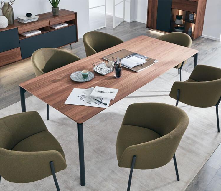 moebel-berning-lingen-rheine-osnabrueck-esszimmer-wohnen-esstisch-stuehle-kommoden-schraenke-barhocker-eckbaenke-interliving-serie-5103-nussbaum-kaufen