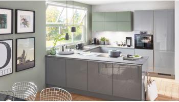Moderne U-Küche Focus von Nobilia mit Front in Lack Hochglanz, Mineralgrau Grün
