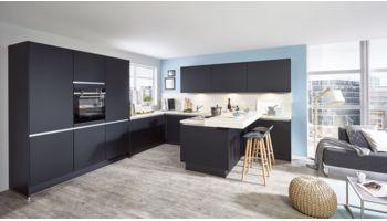 Elegante U-Küche Touch von Nobilia mit Front in Supermatt, Schwarz Schwarz