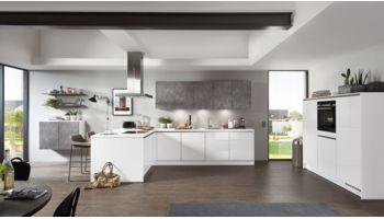 Große L-Küche Focus von Nobilia mit Front in Hochglanz, Mineralgrau Grau