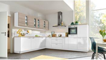 """Offene L-Form Küche """"Lux"""" von Interliving Küche mit Front in Arcticweiß und Asteiche"""