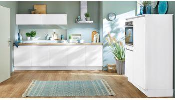 Moderne Küchenzeile Laser von Nobilia mit Front in Alpinweiss Weiss