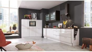 Offene Küche von Interliving Serie 3020 in Hochglanz, Arcticweiss