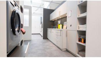 LI - Koje 91 - Hauswirtschaftsraum Nora von Wert Küche