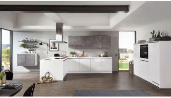 Grifflose L-Küche Focus von Nobilia mit Front in Hochglanz, Alpinweiss Weiss