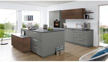 Moderne Inselküche Soft Lack von Nolte Küchen mit Front in Matt, Quarzgrau