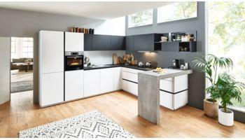 Grifflose L-Küche Feel von Nolte Küchen mit Front in Matt, Arcticweiss und Schwarz