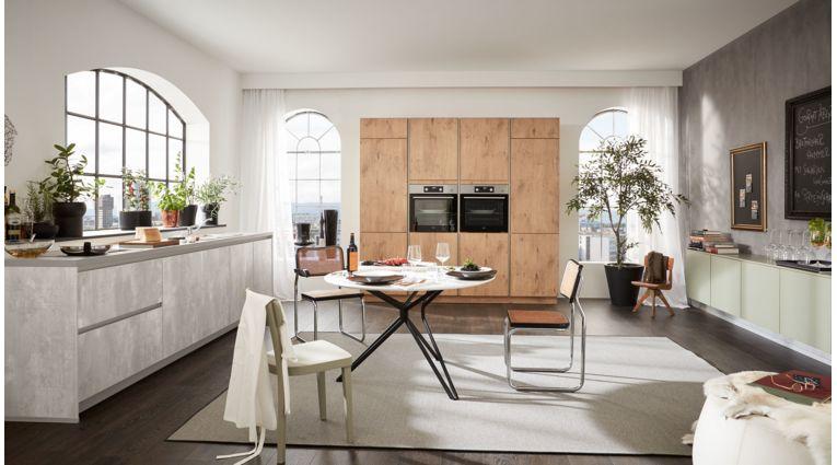 Grosse Küchenzeile Ella von Wert Küche mit 3 Front-Ausführungen