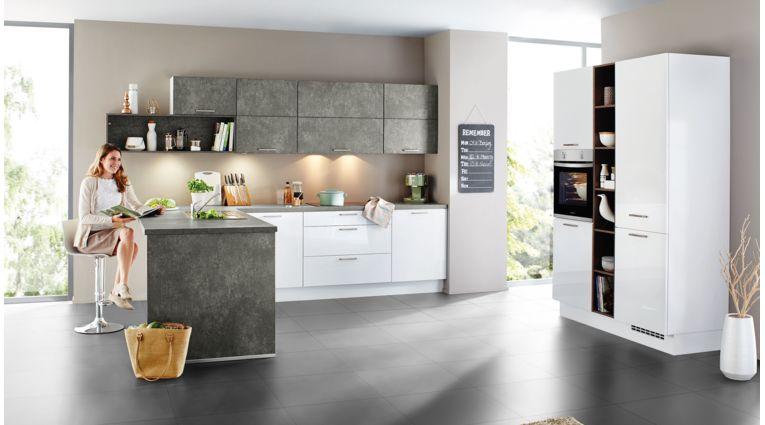 Moderne L-Küche Focus von Nobilia mit Front in Hochglanz, Alpinweiß