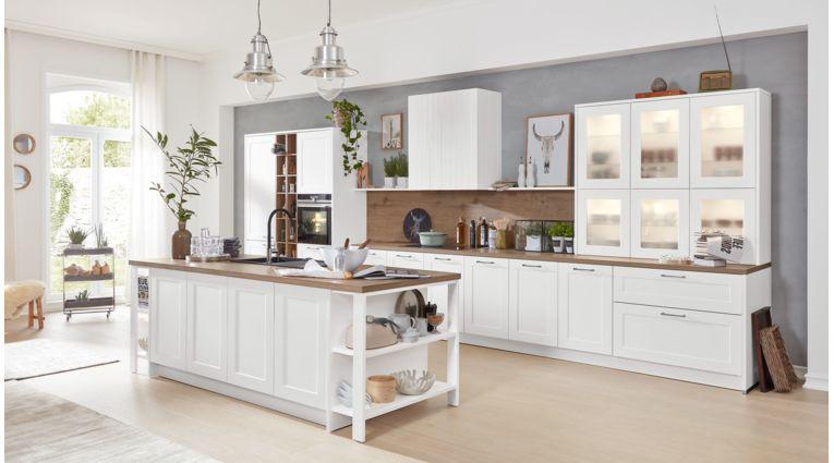 Grosse Inselküche von Interliving Serie 3002 mit Front in Softmatt Lack, Weiss
