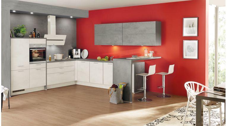 Großzügige L-Küche Riva von Nobilia mit Front in Weißbeton