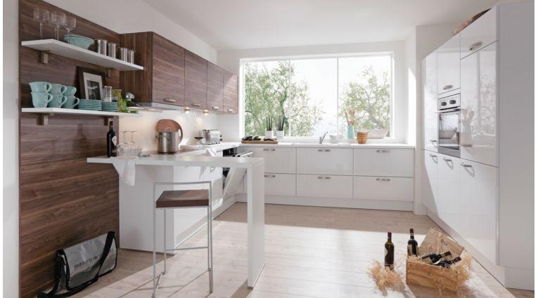 Praktische Einbauküche Galina von Wert Küche mit Front in Lack Hochglanz, Kristallweiß