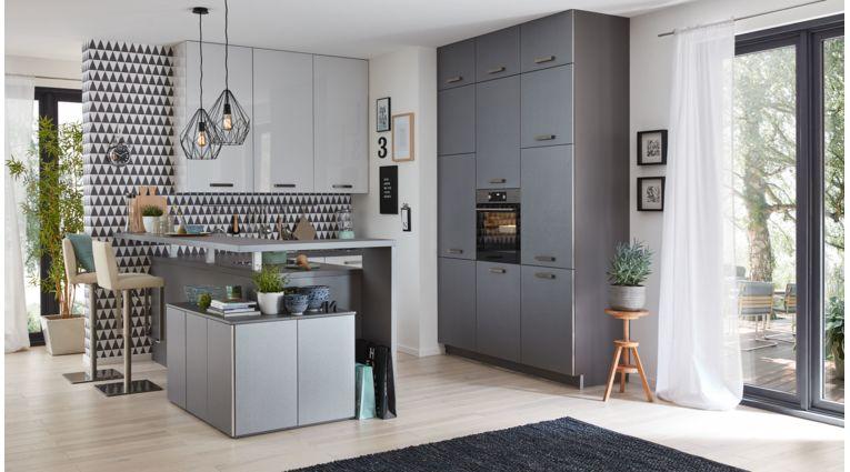 Moderne L-Küche Victoria von Culineo mit Front in Hochglanz Lack, Seidengrau