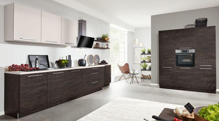 Küchenzeile von Interliving Serie 3016 mit Front in Eiche geflämmt