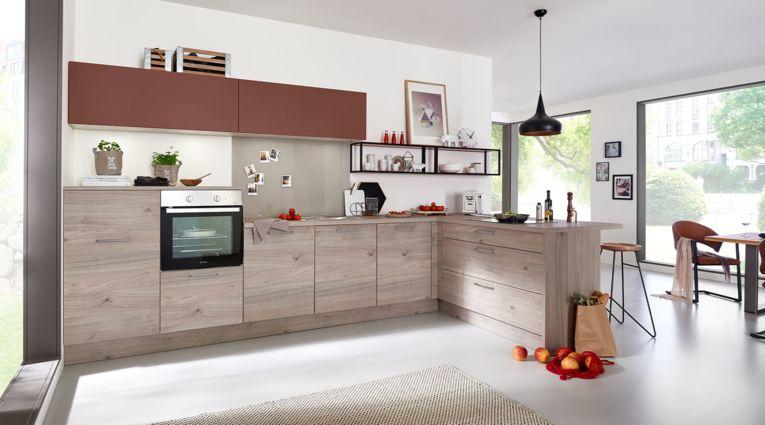 Familien L-Küche Artwood von Nolte Küchen mit Front in Asteiche, Platin