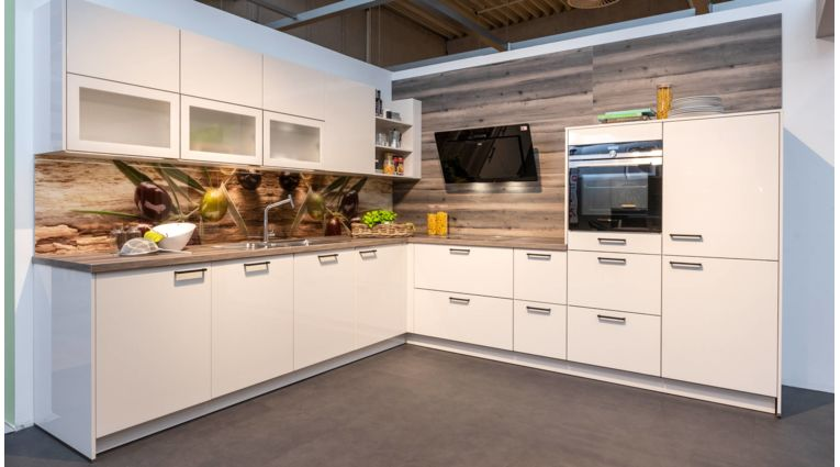 Wert Küche - Galina - L-Küche - Ausstellungsküche - Rh Koje 39